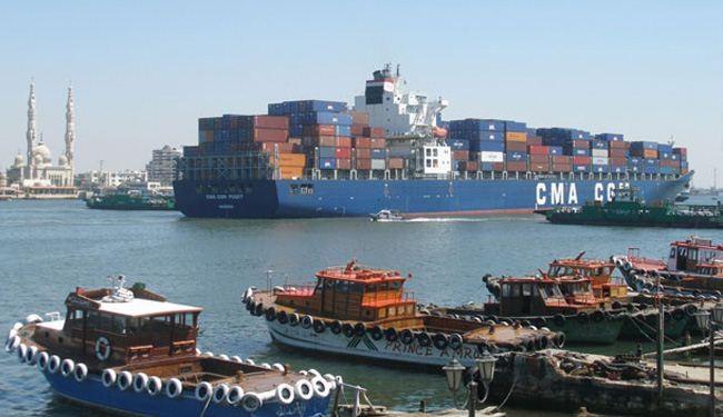 عبور 43 سفينة المجرى الملاحي لقناة السويس بحمولات 2.7 مليون طن