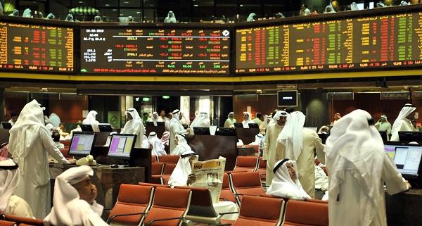 بورصة دبي تتراجع لأدنى مستوى في خمس سنوات والنفط يضغط على السعودية