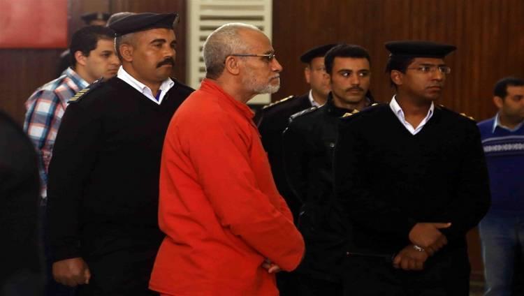 """تأجيل إعادة محاكمة """"بديع""""  بأحداث مسجد الاستقامة لأول أكتوبر"""