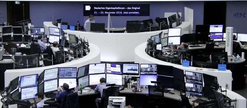تراجع طفيف للأسهم الأوروبية في مستهل تعاملات الأسبوع
