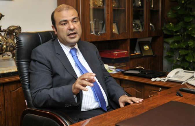 بلاغ يتهم وزير التموين السابق بالاستيلاء على المال العام