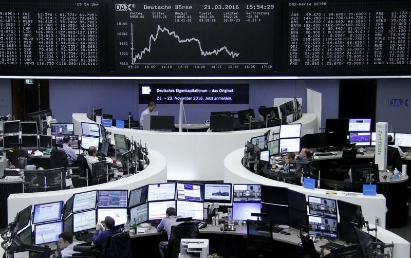 الأسهم الأوروبية تنخفض وتحذير أبل ينال من قطاع التكنولوجيا