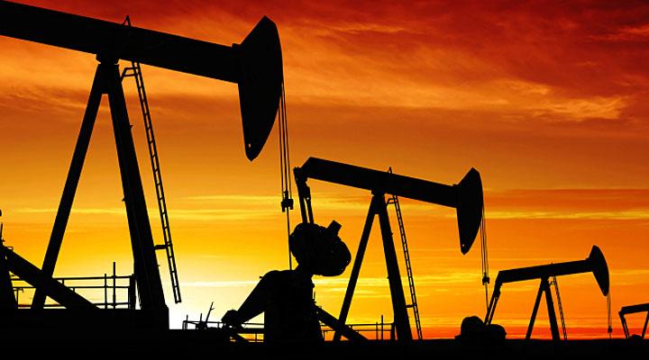 أسعار النفط ترتفع في ظل انخفاض كبير للمخزونات الأمريكية