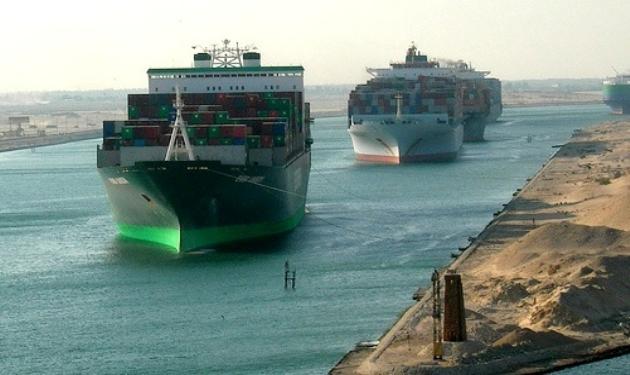 اليوم .. عبور 58 سفينة قناة السويس بحمولة 4.1 مليون طن