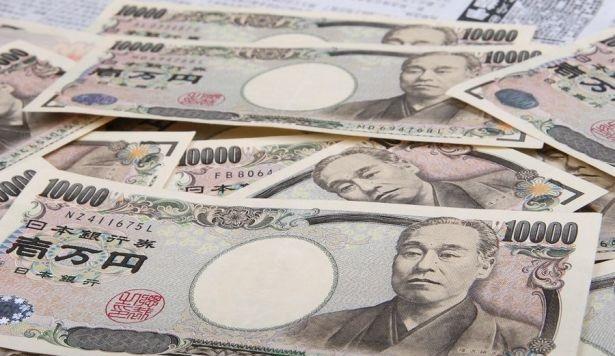 الين الياباني يخسر مكانته كملاذ آمن للاستثمار بسبب فيروس كورونا