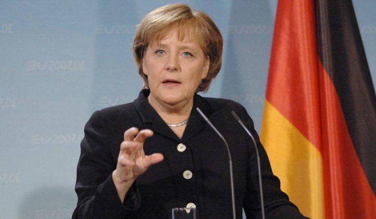 ميركل ترفض انتقادات ترامب لارتفاع الفائض الألماني