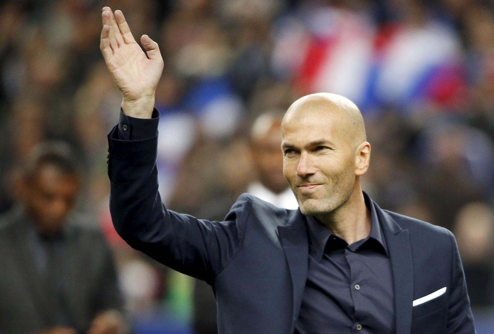 زيدان مدرب ريال مدريد محبط من الإصابات بعد استبعاد ميندي