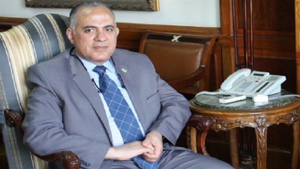 وزير الري يبحث مع قيادات الوزارة الأعمال الجاري تنفيذها خلال الفترة الحالية