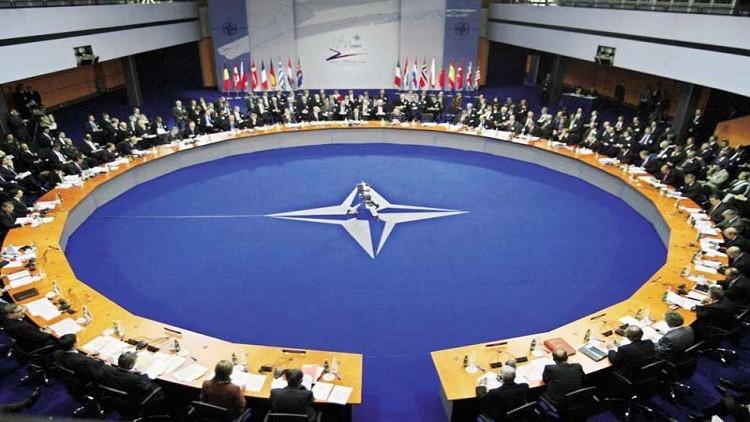 """تنامي ثقل مصر السياسي يفرض نفسه على نقاشات """"الناتو"""" مع وفد صحفي مصري"""