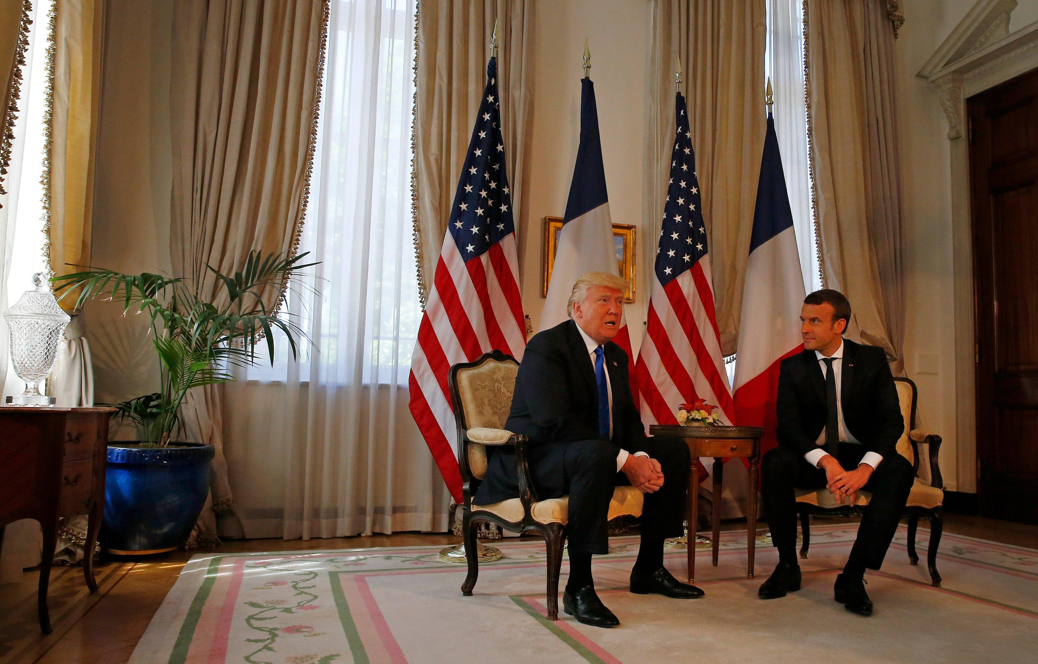 الرئيسان الأميركي و الفرنسي يدينان الأسد وراعييه الروسي والإيراني