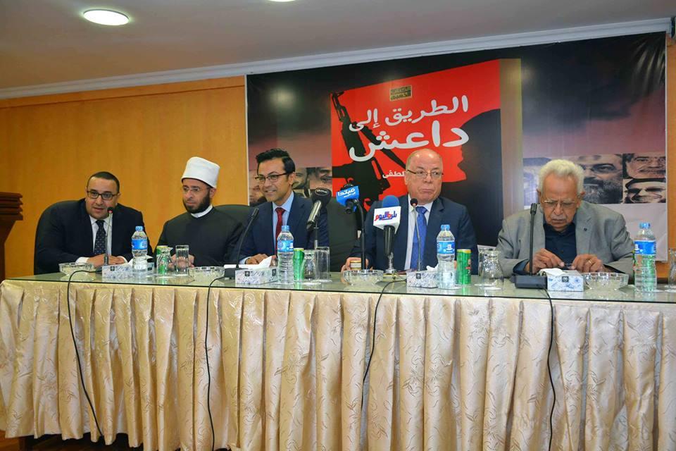 صور   وزير الثقافة: الجماعات المتطرفة والإخوان وداعش خرجت من وعاء واحد
