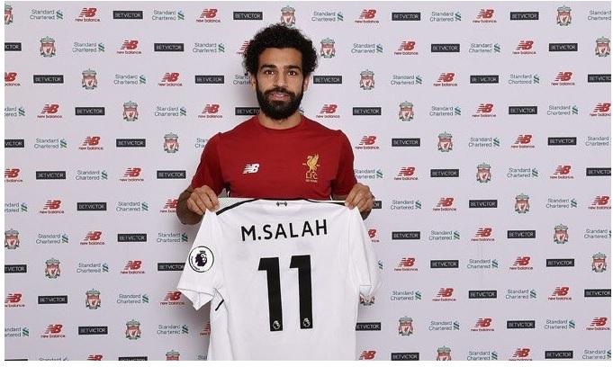 محمد صلاح يوقع عقود إنتقاله إلى ليفربول