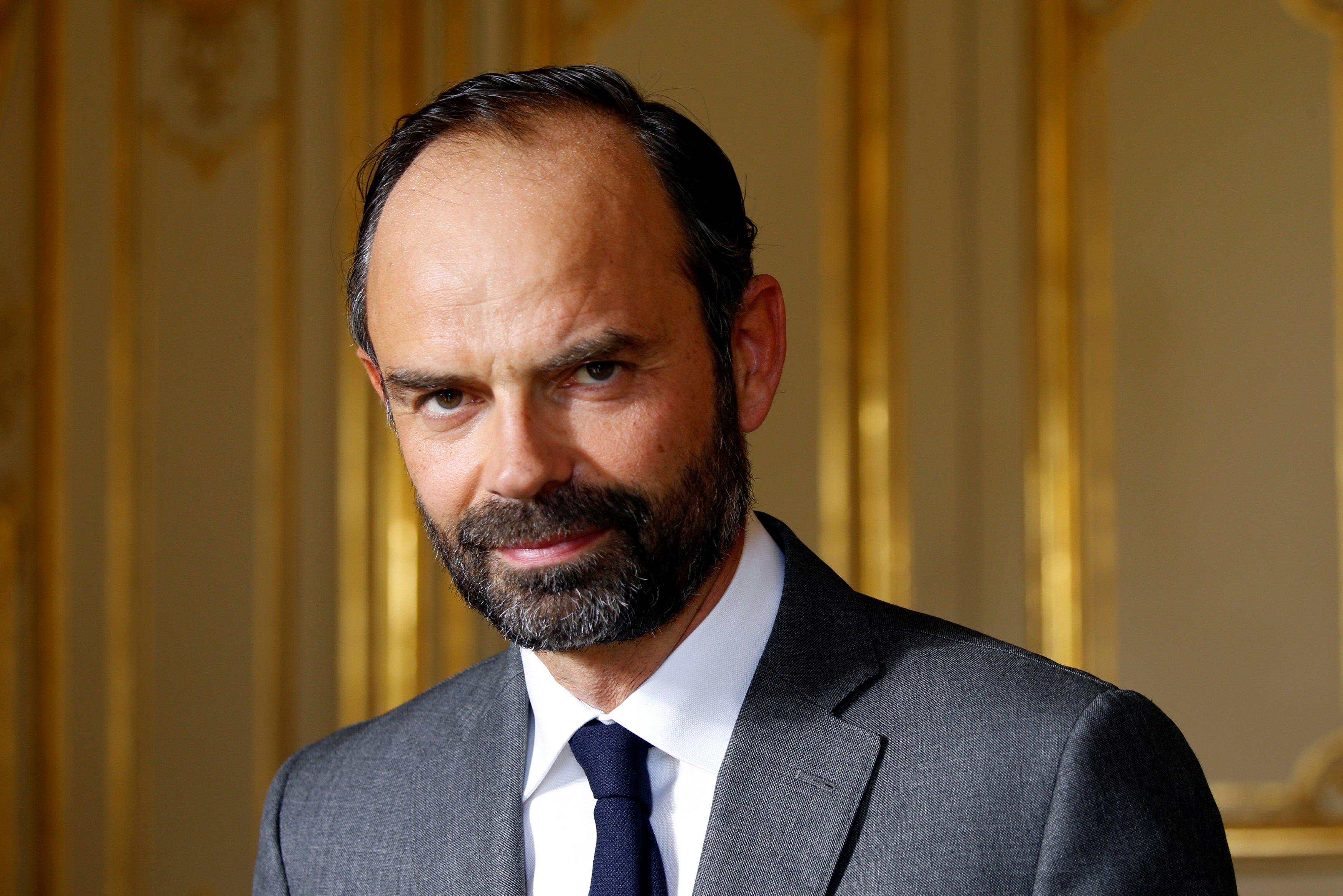 رئيس وزراء فرنسا يشارك في منتدى داكار للأمن والسلم بالسنغال