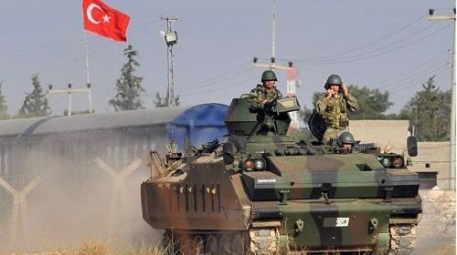 تركيا ترسل تعزيزات عسكرية جديدة إلى الحدود الجنوبية مع سوريا