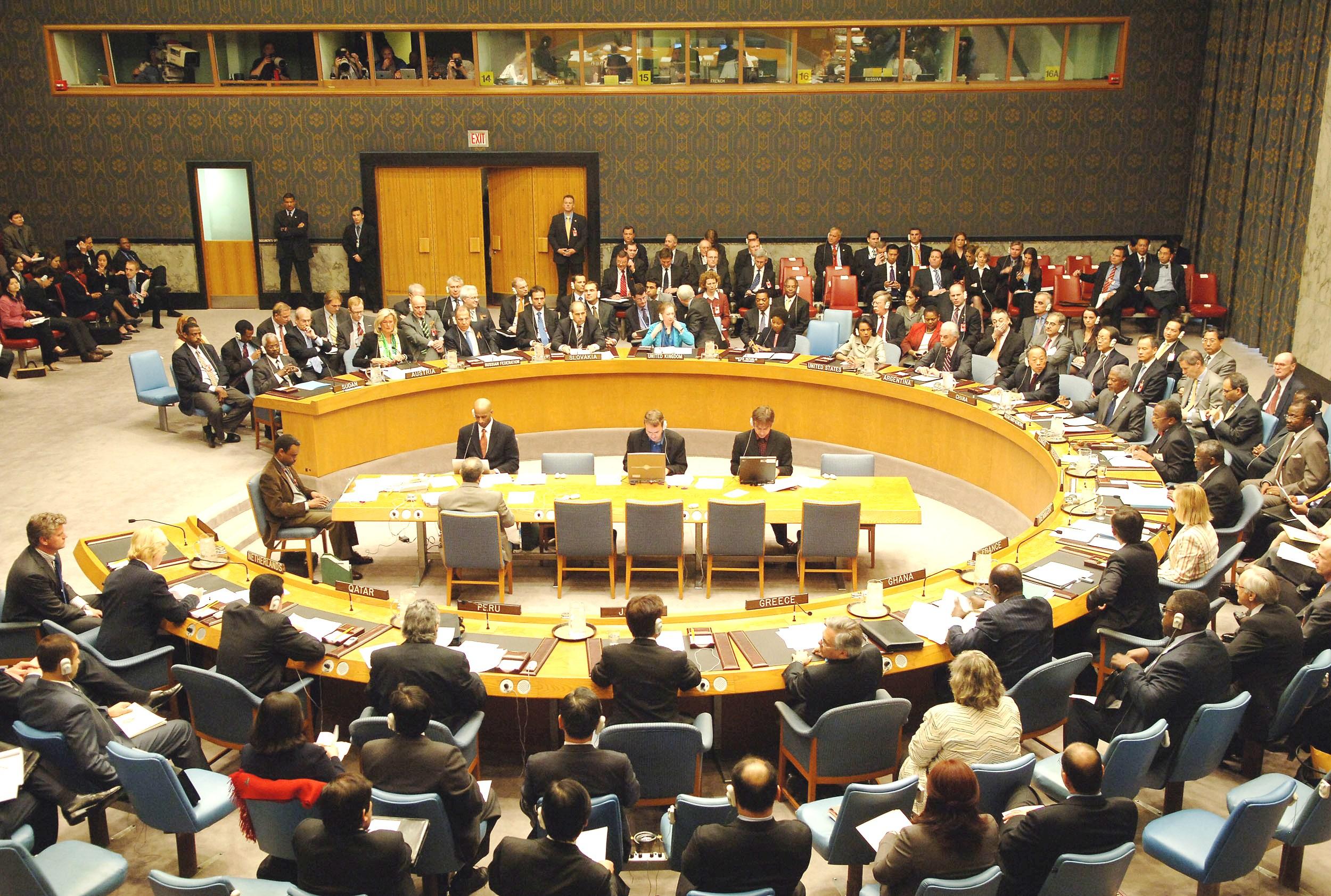مجلس الأمن يمدد قرار منع تهريب السلاح إلي ليبيا