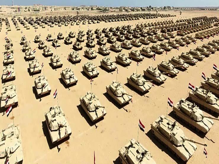 السيسي يصل إلى قاعدة محمد نجيب العسكرية بالإسكندرية