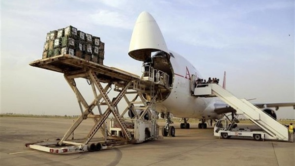 الأردن يسير طائرة مساعدات إنسانية لليمن بحمولة 15 طنا من المواد الإغاثية