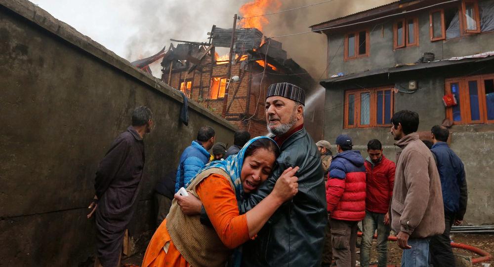 انتهاء عمليات البحث والإنقاذ في موقع انهيار مبنى سكني بمومباي الهندية