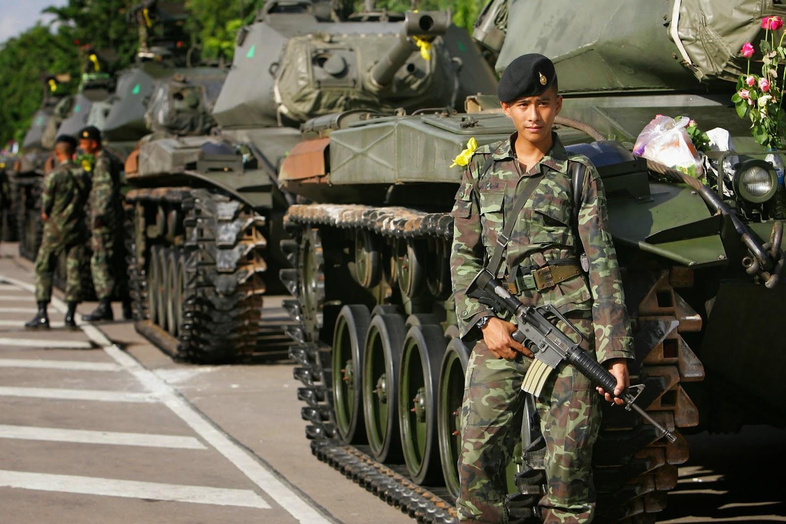 الجيش التايلاندي يتهم زعيما بارزا في المعارضة بإثارة الفتن