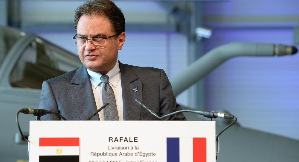 سفير مصر بباريس ينقل تهنئة الرئيس للجالية المصرية بمناسبة عيد الفطر