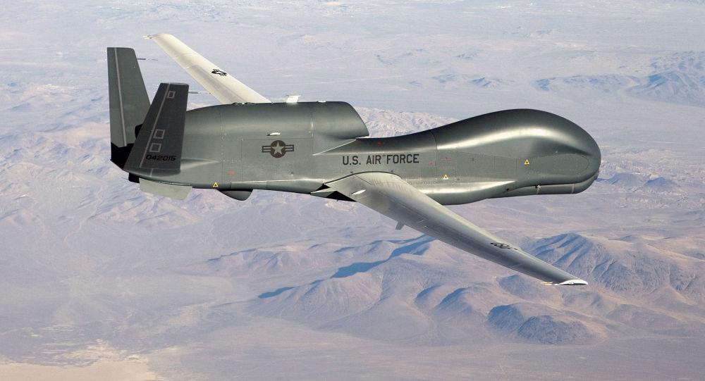 طائرة استكشاف أمريكية تحلق فوق سماء كوريا الجنوبية لمراقبة جارتها الشمالية