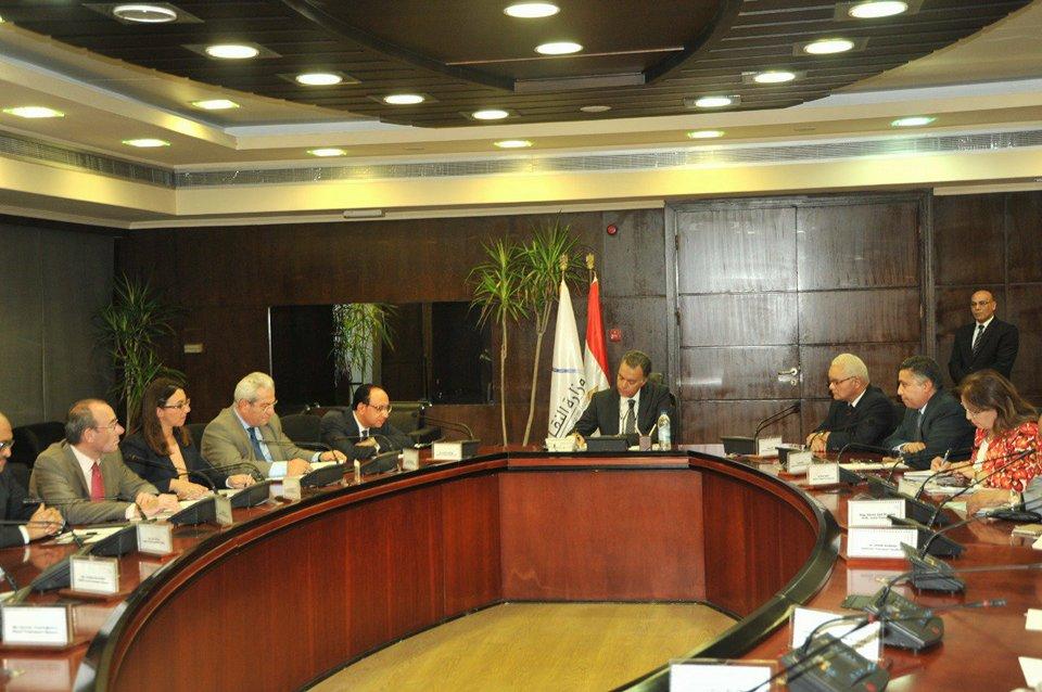 """بالصور..""""عرفات"""" يلتقي وفد برنامج دعم سياسات قطاع النقل بالإتحاد الأوربى"""