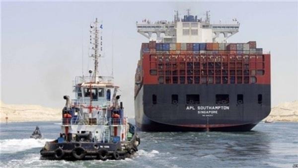 54 سفينة عبرت قناة السويس بحمولات 3.6 مليون طن