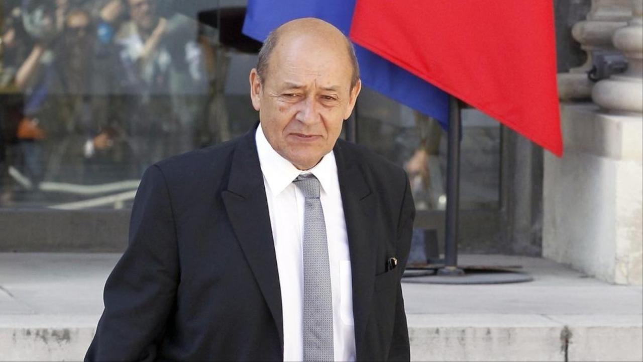 وزير الخارجية الفرنسى: الجزائر قوة سلم تتمسك بحزم باحترام سيادة الدول