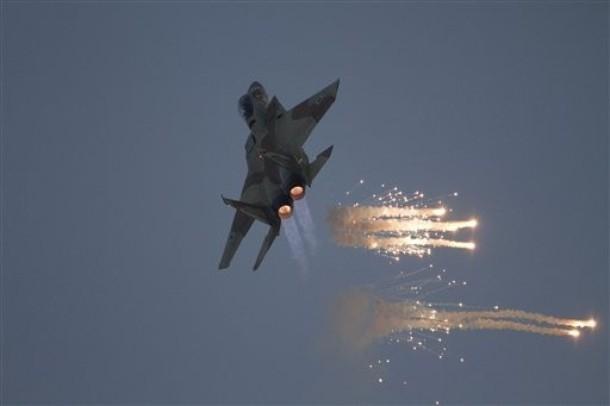 طائرات الاحتلال الإسرائيلى تقصف أرضا زراعية جنوب قطاع غزة