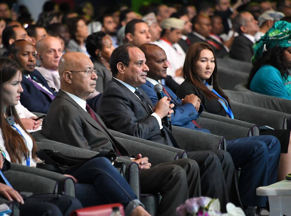 الرئيس السيسي : المرأة المصرية أكثر وعي وتحرك في مجابهة الفكر المتطرف