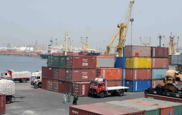 ميناء دمياط يستقبل سفينتي حاويات خلال 24 ساعة