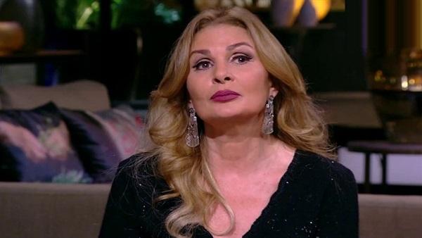 اختيار يسرا رئيسا شرفيا لـ أيام القاهرة للدراما العربية فى باريس