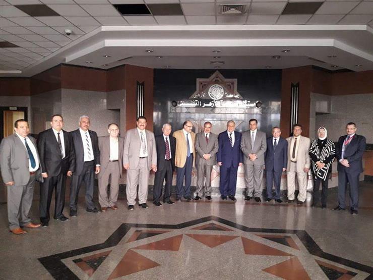 محلب وجمال الدين يزوران مصابي مسجد الروضة بمستشفى الأزهر التخصصي