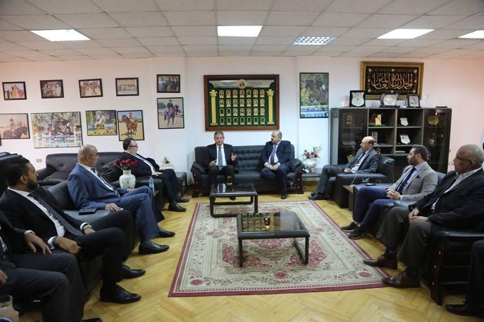 وزير الرياضة يجتمع مع مجلس إدارة اللجنة الأوليمبية