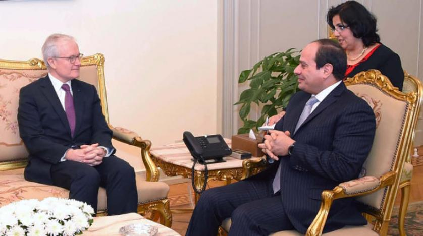 السيسي يستقبل رئيس الاستخبارات الفرنسية