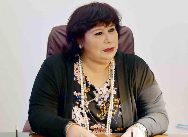 وزيرة الثقافة تفتتح معرضا للكتاب بمحافظة قنا