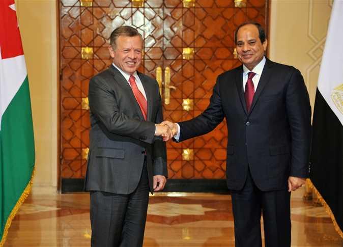 الرئيس السيسي يستقبل العاهل الأردني في مطار القاهرة الدولي
