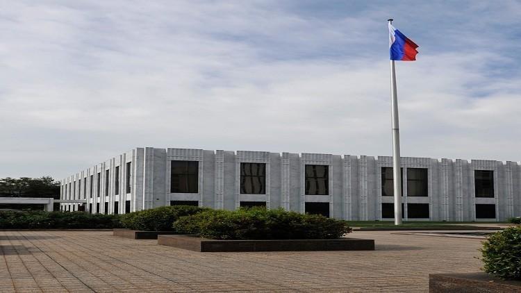 السفارة الروسية : واشنطن تضغط على الصحفيين للتعاون مع الأجهزة الأمنية