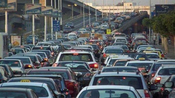 كثافات مرورية بطريق السويس وكوبرى اكتوبر