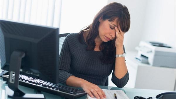 الجلوس لفترات طويلة يسبب تراكم الدهون ويزيد مخاطر الإصابة بالسكري