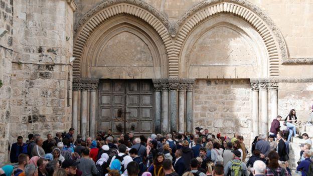 كنيسة القيامة تعيد فتح ابوابها الاربعاء بعد تعليق الاجراءات الاسرائيلية