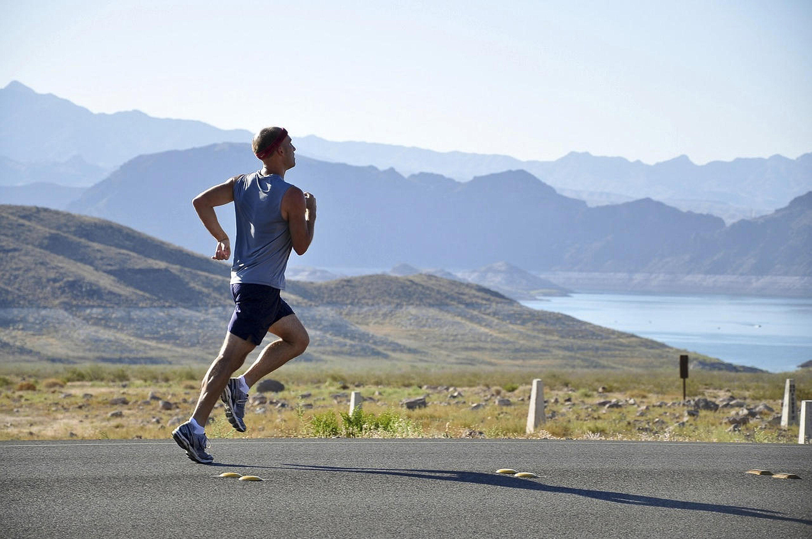 ممارسة الرياضة بانتظام قد تقلل من خطر الإصابة بالزهايمر