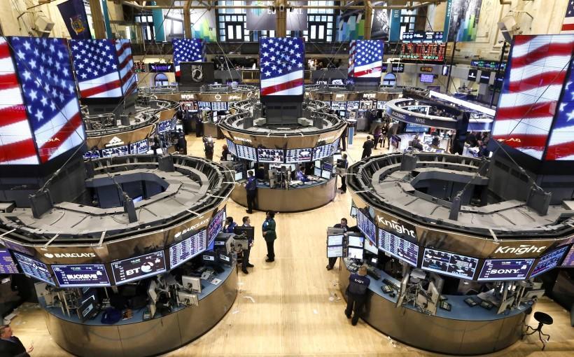 الأسهم الأمريكية تصعد بدعم من علامات على التعافي هدأت مخاوف الاحتجاجات والجائحة
