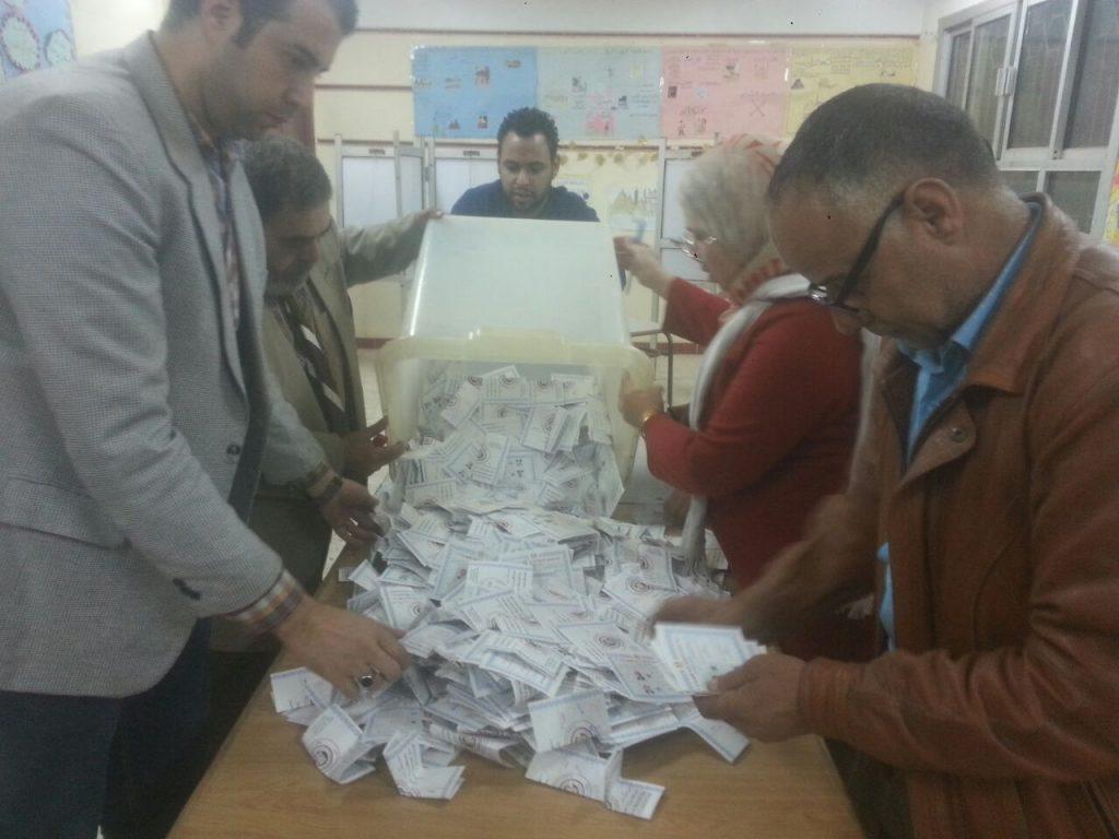 بالصور | استمرار عمليات فرز الأصوات في الانتخابات الرئاسية باللجان الفرعية