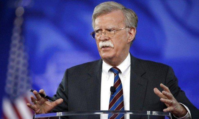 بولتون: الإدارة الأمريكية تبحث إمكانية فرض عقوبات جديدة ضد فنزويلا