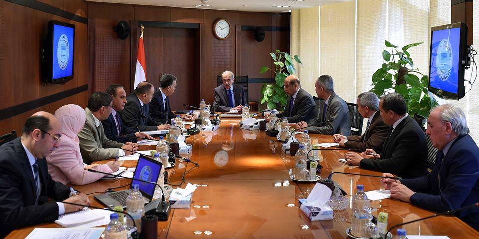 رئيس الوزراء يتابع تطوير منظومة السكك الحديدية