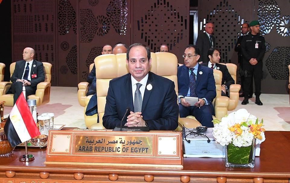 نشاط الرئيس بأسبوع : المشاركة بالقمة العربية وعقد اجتماعات لمتابعة مشروعات التنمية