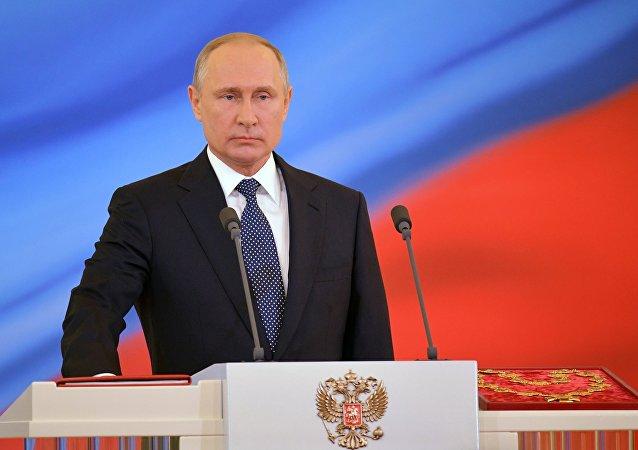 بوتين يرحب بالجماهير والفرق المشاركة في المونديال