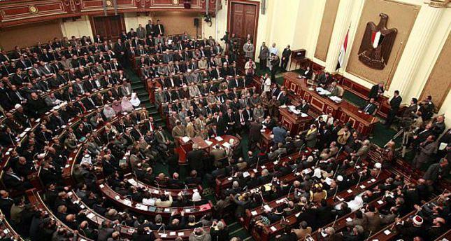 """الشريف يعلن تأجيل مناقشة """"النواب"""" الرد على بيان الحكومة للأسبوع المقبل"""