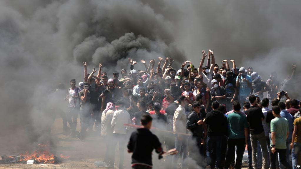 إصابة 11 فلسطينيا إثر اعتداء قوات الاحتلال على مسيرة شمال غزة